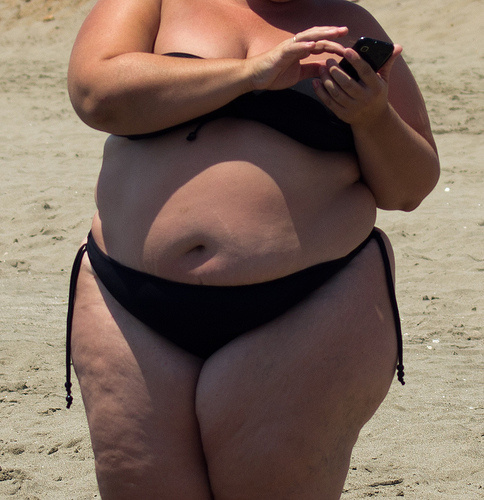 fat-woman-on-beach