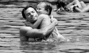 dad_hug
