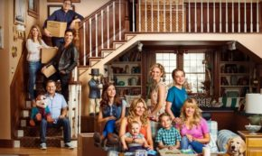 The Tanner Clan is All Grown Up in this 'Fuller House' Trailer