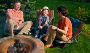 How to Build a Fire Pit the Whole Family Can Enjoy