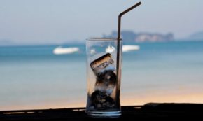 5 Reasons to Stop Using Straws Now