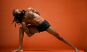 "How Former NFL Athlete Derrick ""DJ"" Townsel Turned to Yoga"