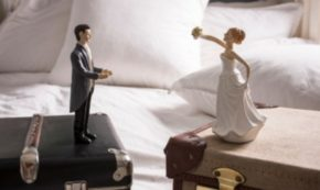 Going Through a Divorce? 5 Tips for Taking Care of Houses and Stuff When You Split