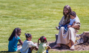 8 Ways to Lead Like Jesus, One of the Greatest Leaders Who Ever Lived
