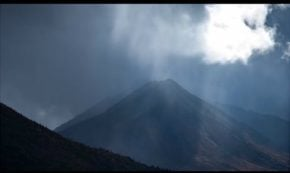 Time-Lapse Of The Highest Mountian Peak In North America Will Take Your Breath Away