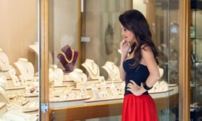 How To Shop For Jewelry On Valentines Day