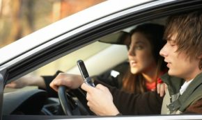 How to Avoid Car Accidents With These Easy Tips