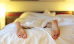 Men: Do You Make the Bed on Vacation?