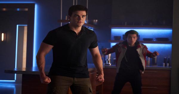 fallen, titans, tv show, action, adventure, drama, season 2, review, dc universe, warner bros television