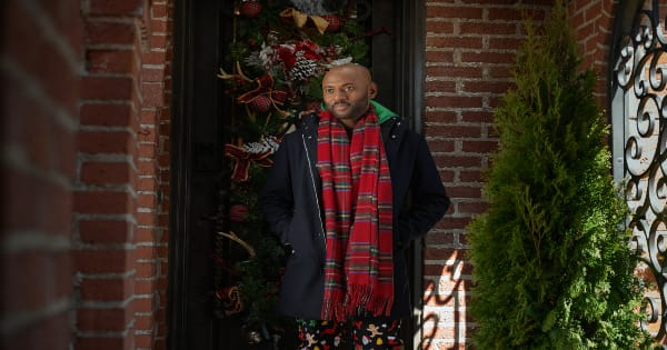 holiday rush, christmas comedy, romany malco, deon cole, review, netflix
