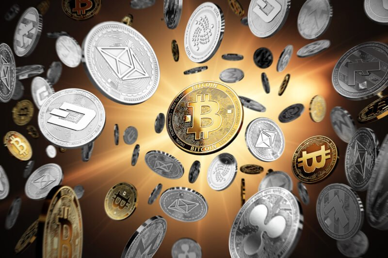 Which Cryptocurrencies Are Better To Invest in, Bitcoin or Altcoins? - GlobalCoinNews