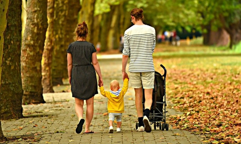 The Difference Between Being a Mother, Father and Being a Parent