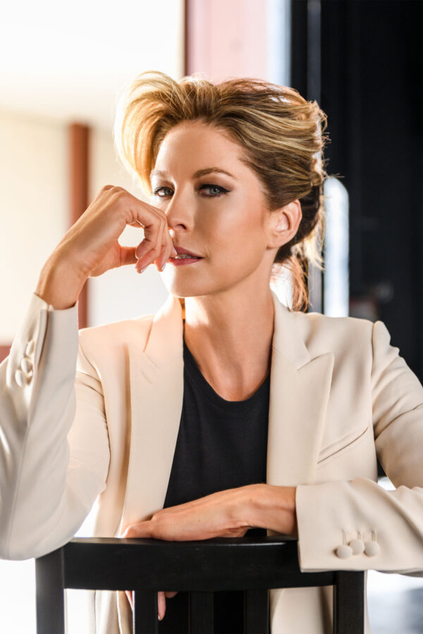 Jenna Elfman Talks Marriage, Nuclear Disarmament & 'Fear the Walking Dead'