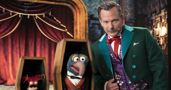 muppets haunted mansion, musical, comedy, family, special, halloween, review, disney plus